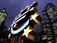 Pound to Euro: 2015 Forecast For Full-Scale QE at ECB Imperils EUR say Barclays and BofA