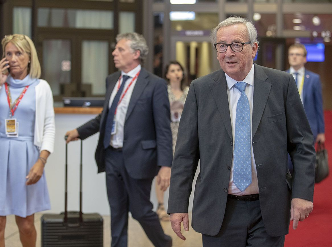Juncker's gift to the Pound